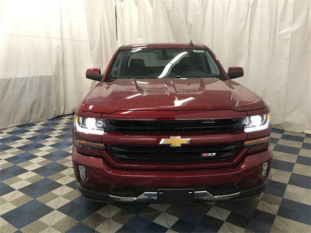 2018 Silverado 1500 Crew Cab 4x4,  Pickup #T182204 - photo 4