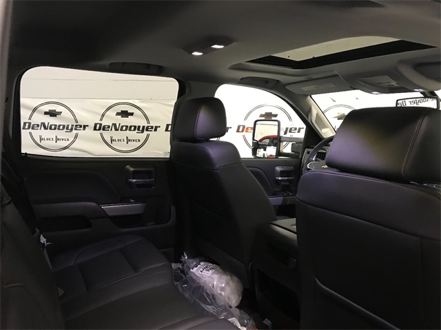 2019 Silverado 2500 Crew Cab 4x4,  Pickup #T190037 - photo 26