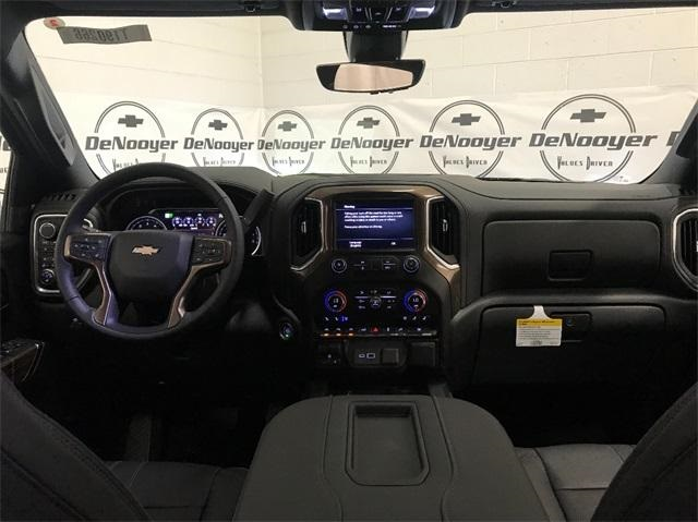 2019 Silverado 1500 Crew Cab 4x4,  Pickup #T190267 - photo 22