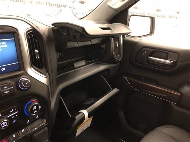 2019 Silverado 1500 Crew Cab 4x4,  Pickup #T190294 - photo 22