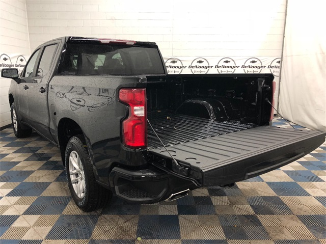 2019 Silverado 1500 Crew Cab 4x4,  Pickup #T190364 - photo 10