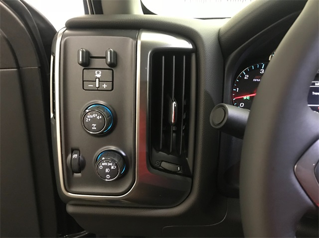 2019 Silverado 1500 Double Cab 4x4,  Pickup #T190436 - photo 11