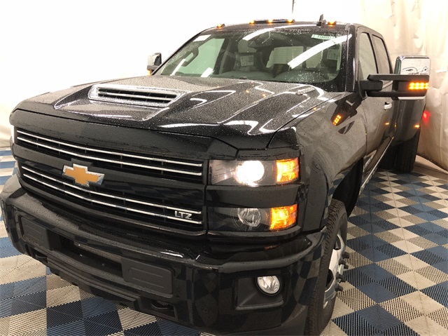 2019 Silverado 3500 Crew Cab 4x4,  Pickup #T190560 - photo 1