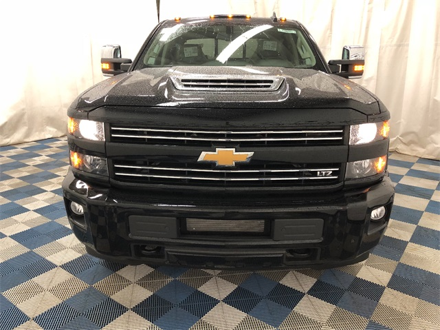 2019 Silverado 3500 Crew Cab 4x4,  Pickup #T190560 - photo 4