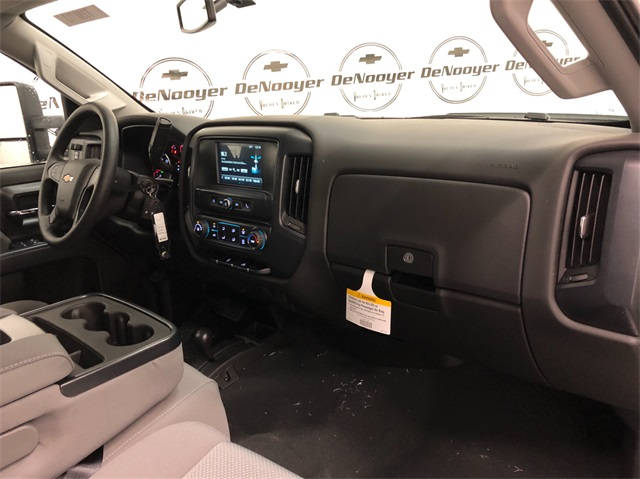 2019 Silverado 2500 Crew Cab 4x4,  Pickup #T190713 - photo 24