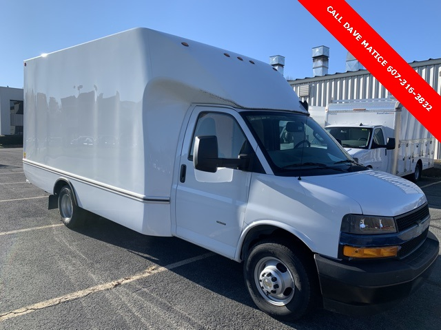 2019 Chevrolet Express 3500 4x2, Unicell Cutaway Van #T192590 - photo 1