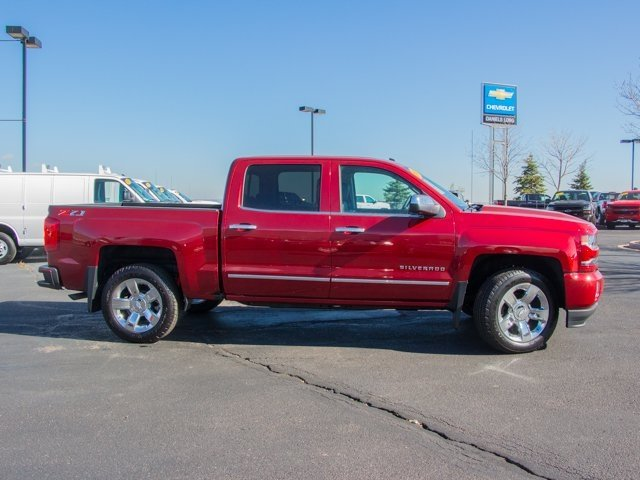2018 Silverado 1500 Crew Cab 4x4 Pickup #X5139 - photo 3