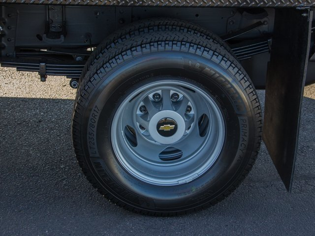 2018 Silverado 3500 Regular Cab DRW 4x4 Platform Body #X5307 - photo 7