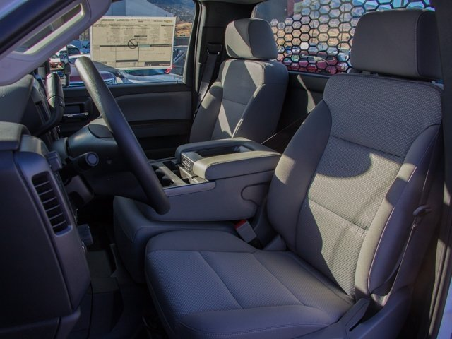 2018 Silverado 3500 Regular Cab DRW 4x4 Platform Body #X5307 - photo 11