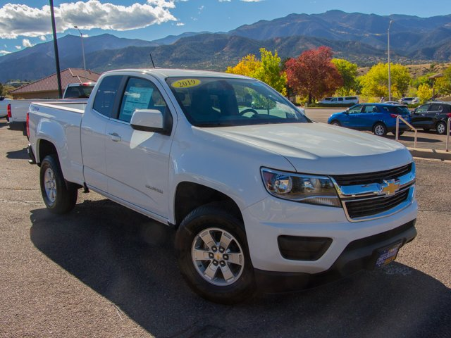 2019 Colorado Extended Cab 4x4,  Pickup #Y6134 - photo 3
