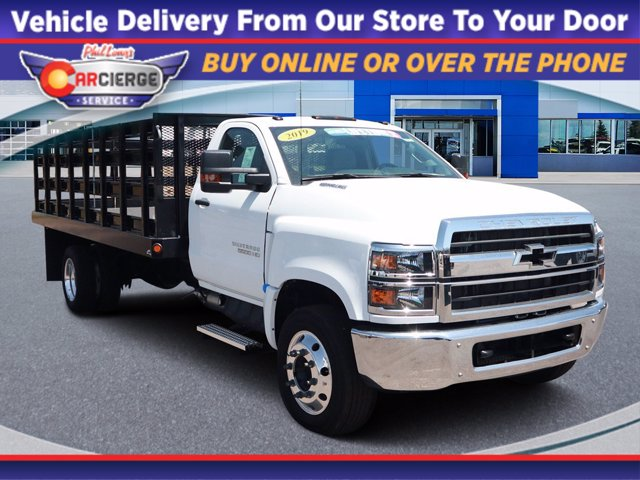 2019 Chevrolet Silverado 5500 Regular Cab DRW 4x2, Parkhurst Stake Bed #Y6804 - photo 1