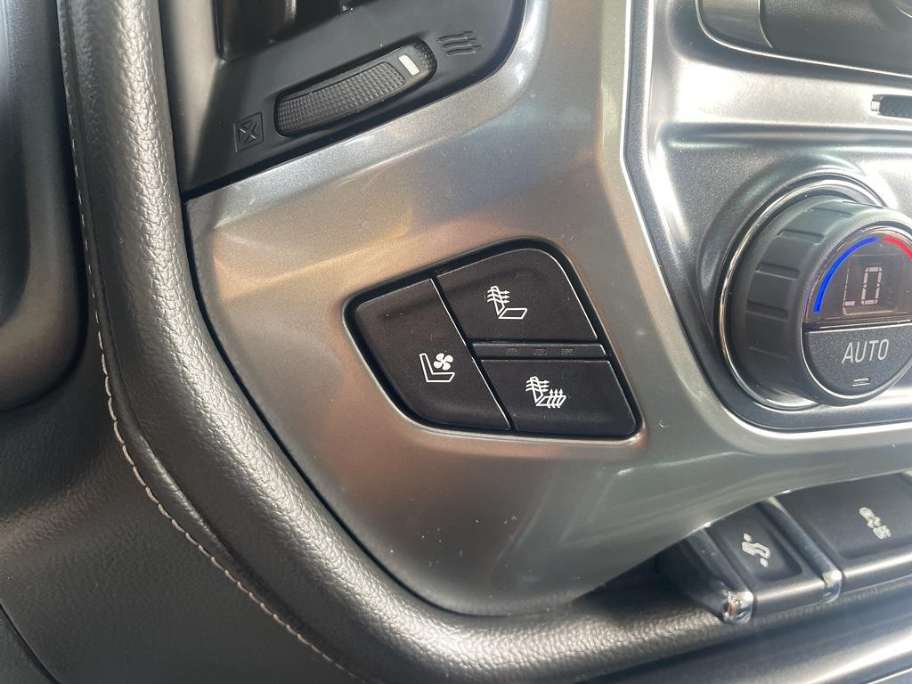 2018 Chevrolet Silverado 1500 Crew Cab 4x4, Pickup #0K5508 - photo 16