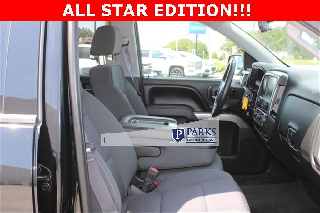 2017 Silverado 1500 Crew Cab 4x4,  Pickup #0K5590 - photo 10