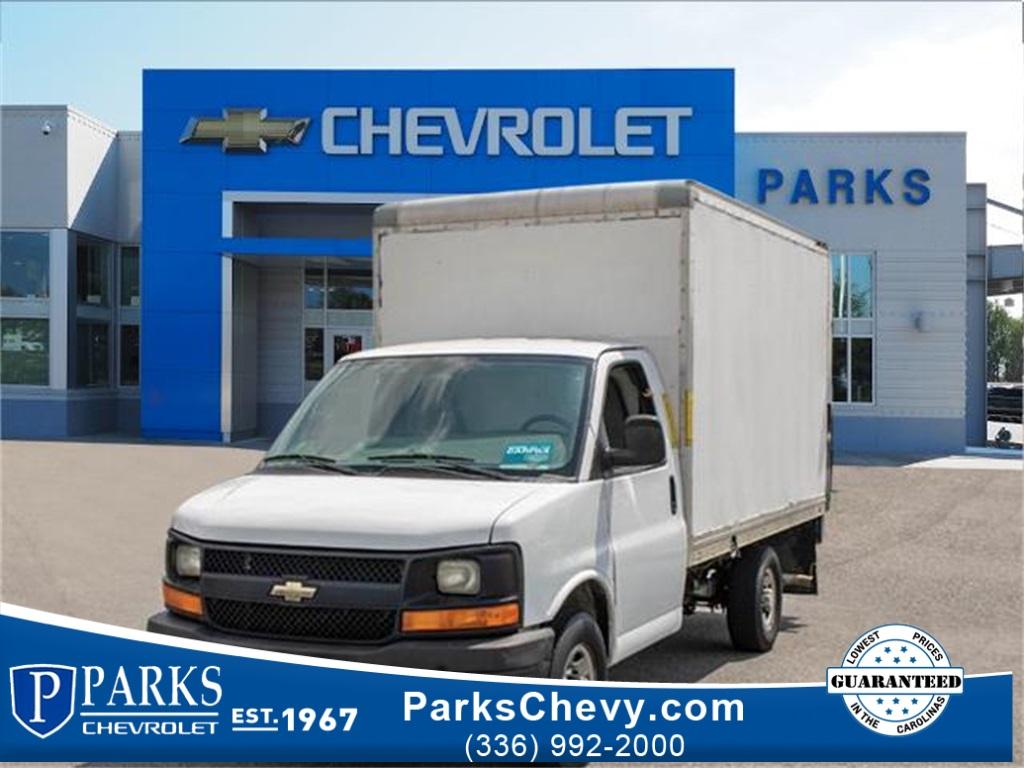 2016 Chevrolet Express 3500, Cutaway Van #1K4417 - photo 1