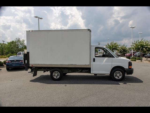 2016 Chevrolet Express 3500, Cutaway Van #1K4417 - photo 13