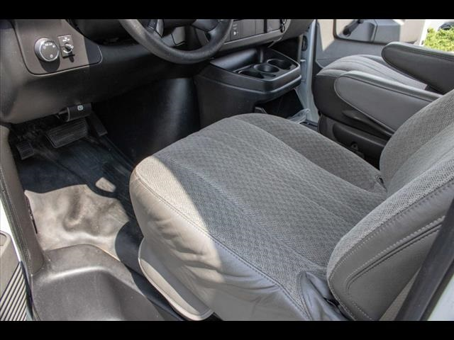 2016 Chevrolet Express 3500, Cutaway Van #1K4417 - photo 24