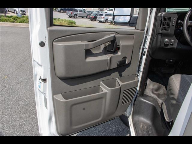 2016 Chevrolet Express 3500, Cutaway Van #1K4417 - photo 25