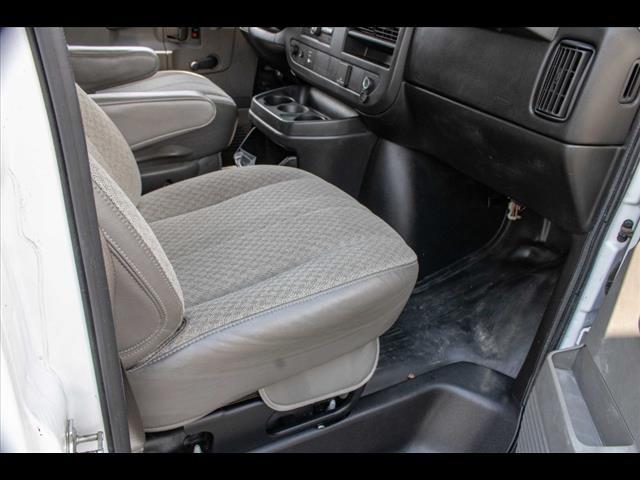 2016 Chevrolet Express 3500, Cutaway Van #1K4417 - photo 27