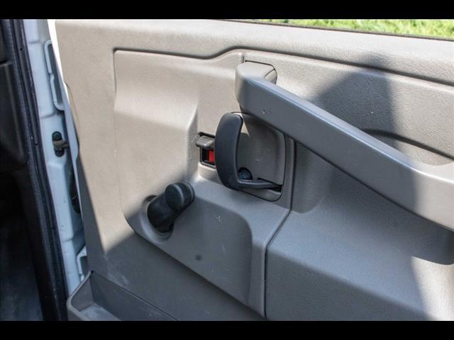 2016 Chevrolet Express 3500, Cutaway Van #1K4417 - photo 29