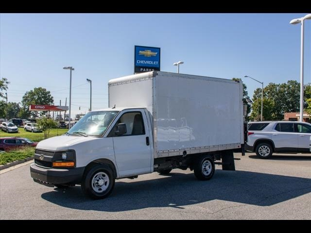 2015 Chevrolet Express 3500 4x2, Cutaway Van #1K4583 - photo 3