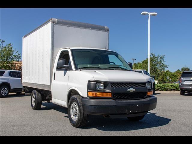 2015 Chevrolet Express 3500 4x2, Cutaway Van #1K4583 - photo 18