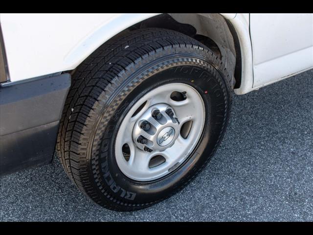 2015 Chevrolet Express 3500 4x2, Cutaway Van #1K4583 - photo 20