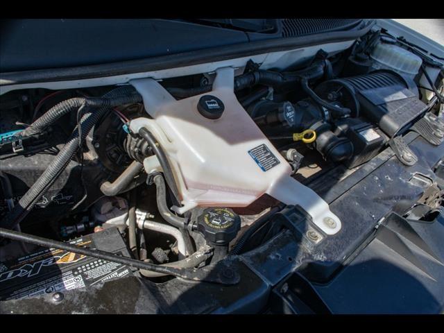 2015 Chevrolet Express 3500 4x2, Cutaway Van #1K4583 - photo 23