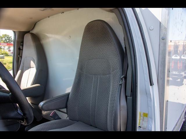 2015 Chevrolet Express 3500 4x2, Cutaway Van #1K4583 - photo 24