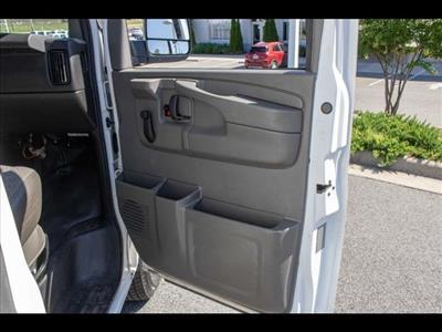 2015 Chevrolet Express 3500 4x2, Cutaway Van #1K4583 - photo 30