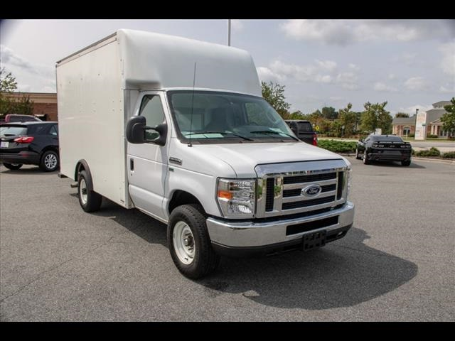 2018 Ford E-350 4x2, Cutaway Van #1K4629 - photo 17