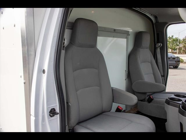 2018 Ford E-350 4x2, Cutaway Van #1K4629 - photo 29