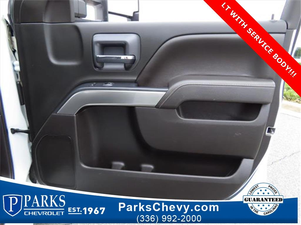 2018 Chevrolet Silverado 2500 Crew Cab 4x4, Service Body #1K5020 - photo 32