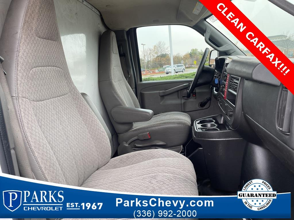 2016 Chevrolet Express 3500, Cutaway Van #1K5021 - photo 29