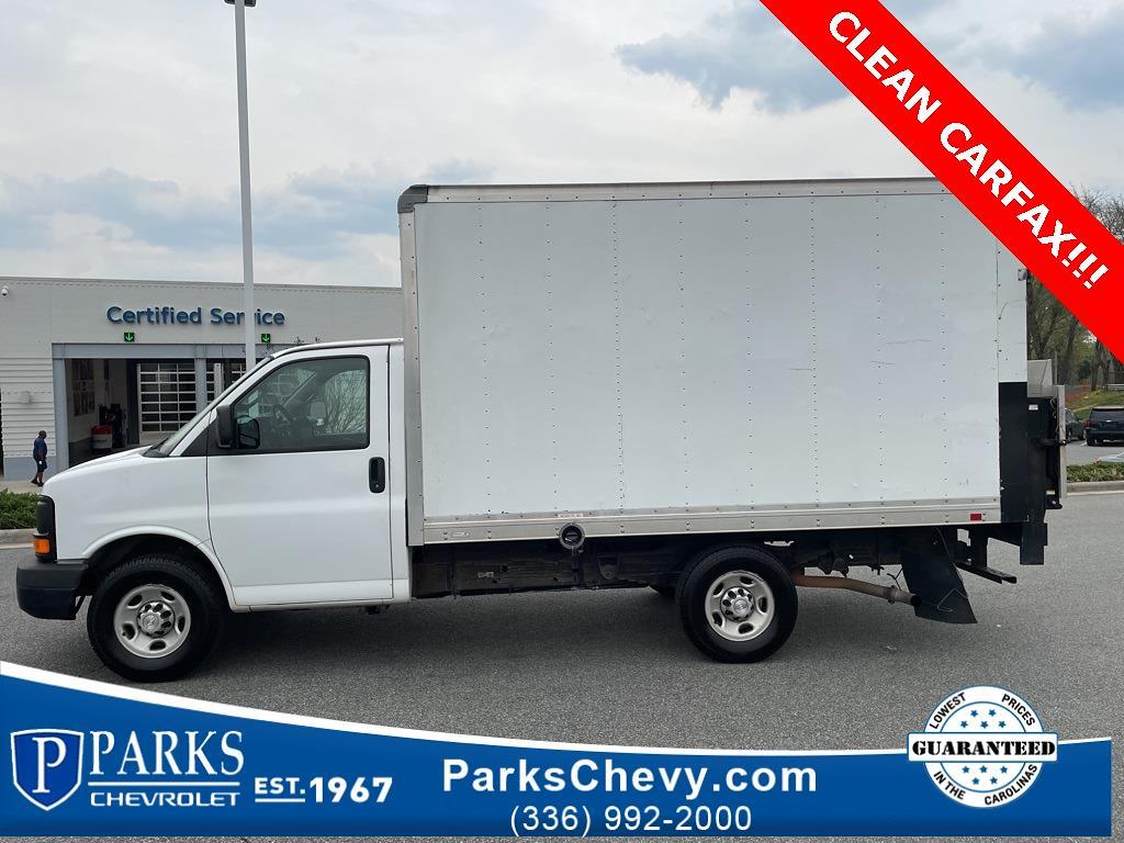 2016 Chevrolet Express 3500, Cutaway #1K5021 - photo 1