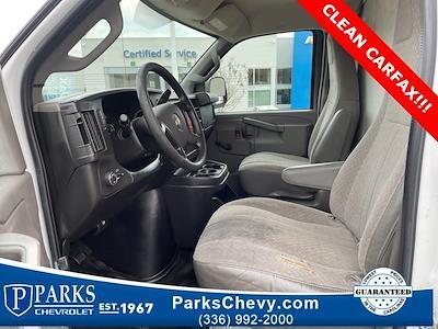 2016 Chevrolet Express 3500, Cutaway Van #1K5021 - photo 23