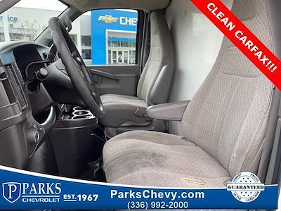 2016 Chevrolet Express 3500, Cutaway Van #1K5021 - photo 24