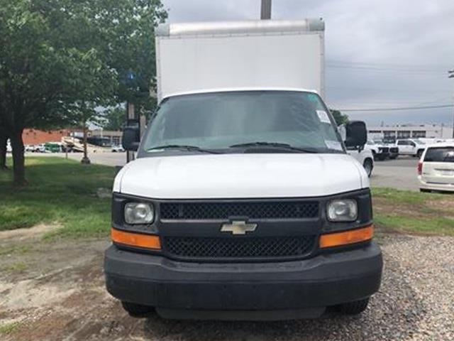 2016 Chevrolet Express 3500, Cutaway Van #1K5064 - photo 12