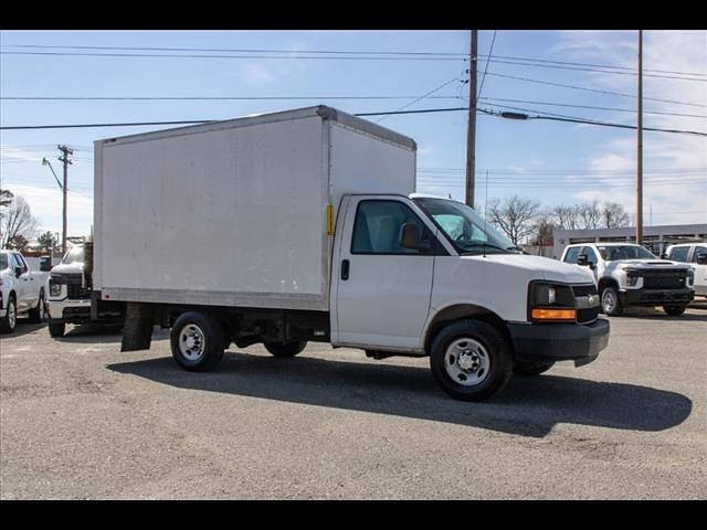 2015 Chevrolet Express 3500 4x2, Cutaway Van #1K5065 - photo 10