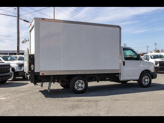 2015 Chevrolet Express 3500 4x2, Cutaway Van #1K5065 - photo 8