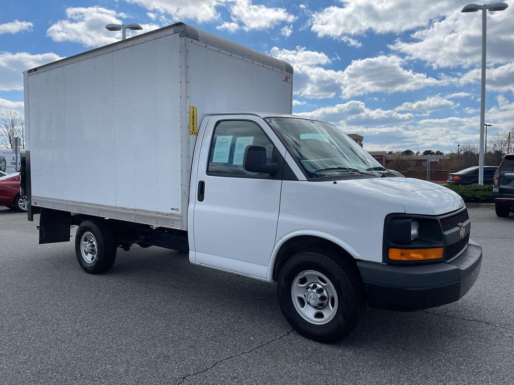 2016 Chevrolet Express 3500, Cutaway Van #1K5082 - photo 8