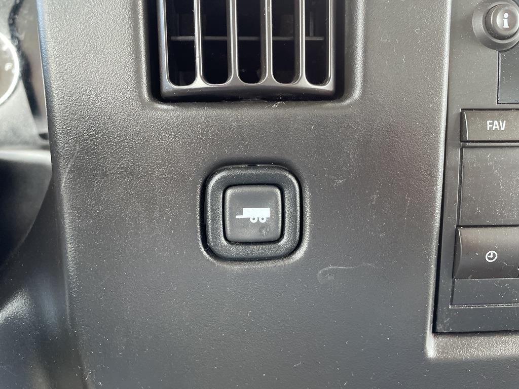 2016 Chevrolet Express 3500, Cutaway Van #1K5082 - photo 15