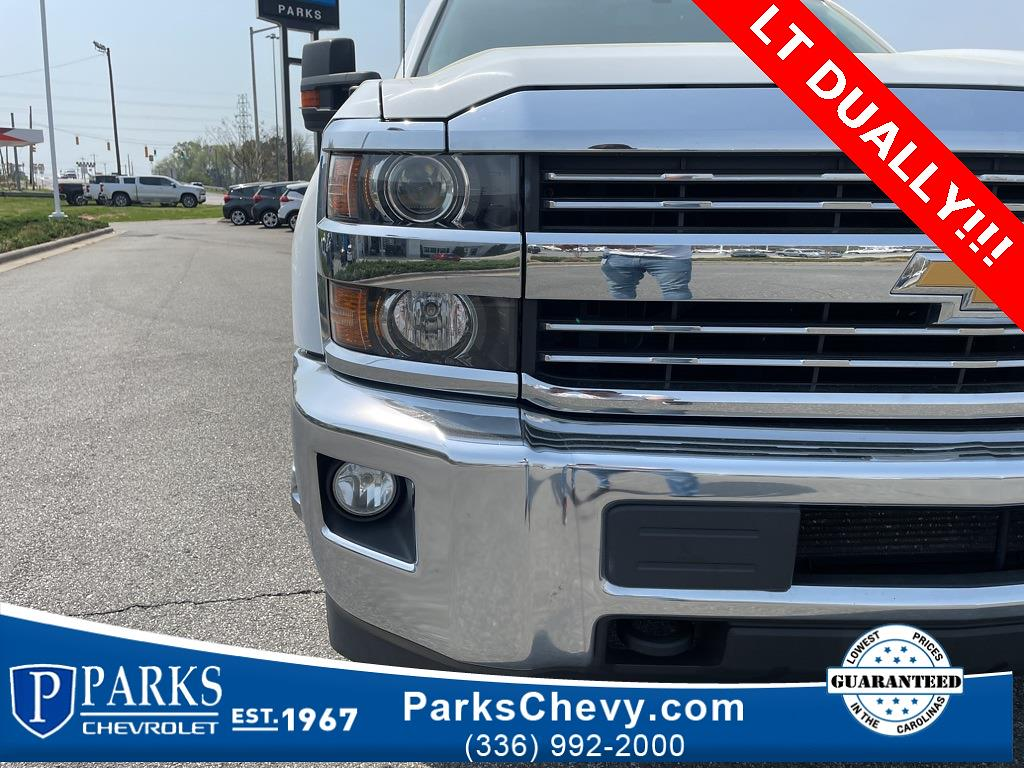 2016 Chevrolet Silverado 3500 Crew Cab 4x4, Pickup #1K5167 - photo 10