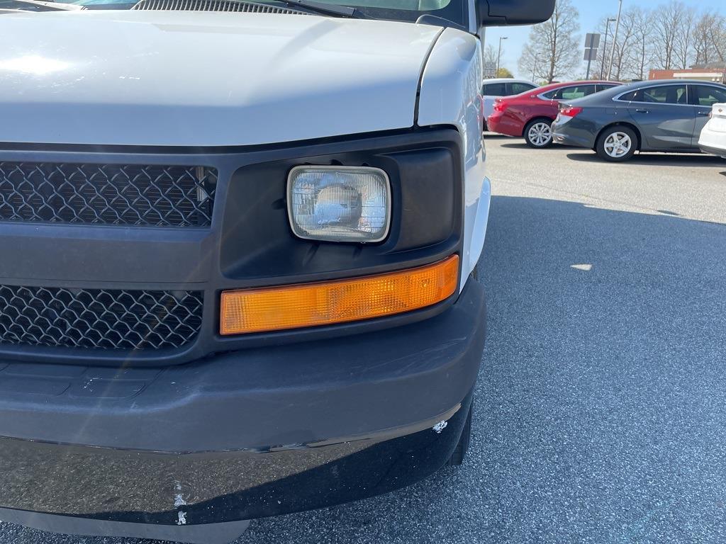 2016 Chevrolet Express 3500, Cutaway Van #1K5171 - photo 11