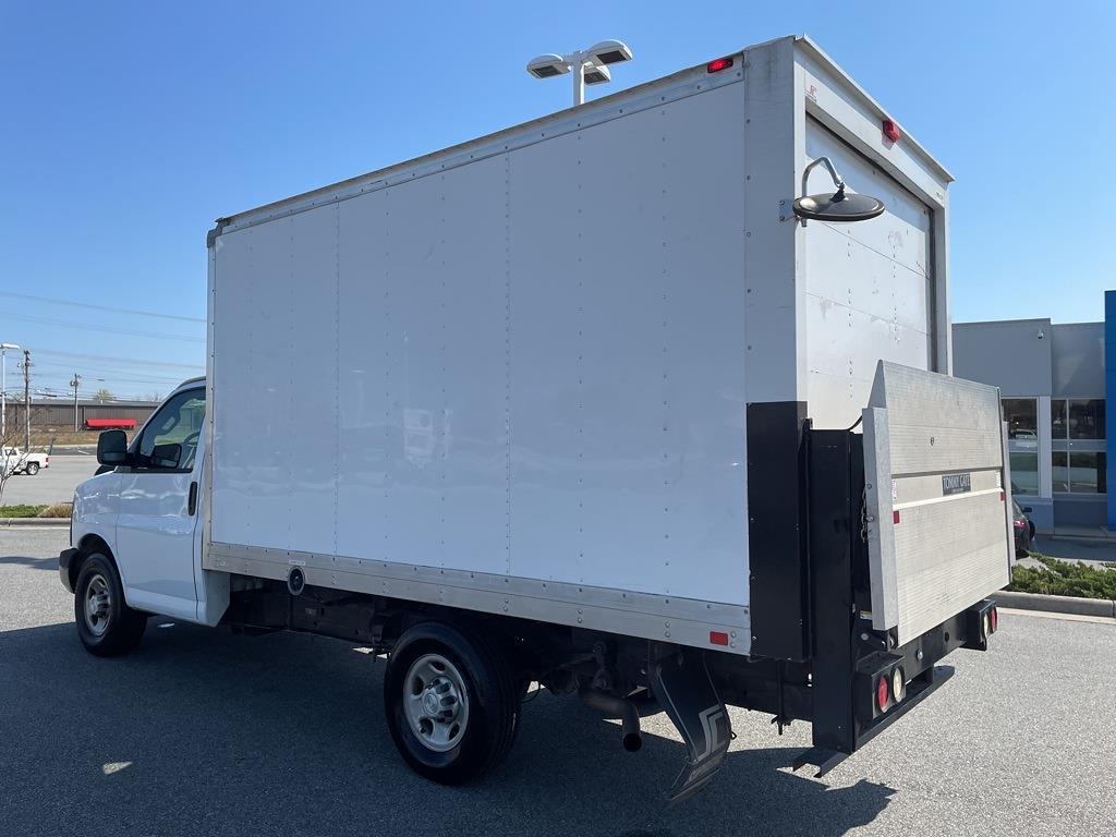 2016 Chevrolet Express 3500, Cutaway Van #1K5171 - photo 2