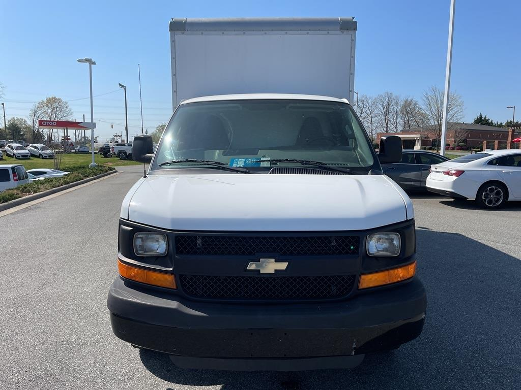2016 Chevrolet Express 3500, Cutaway Van #1K5171 - photo 9