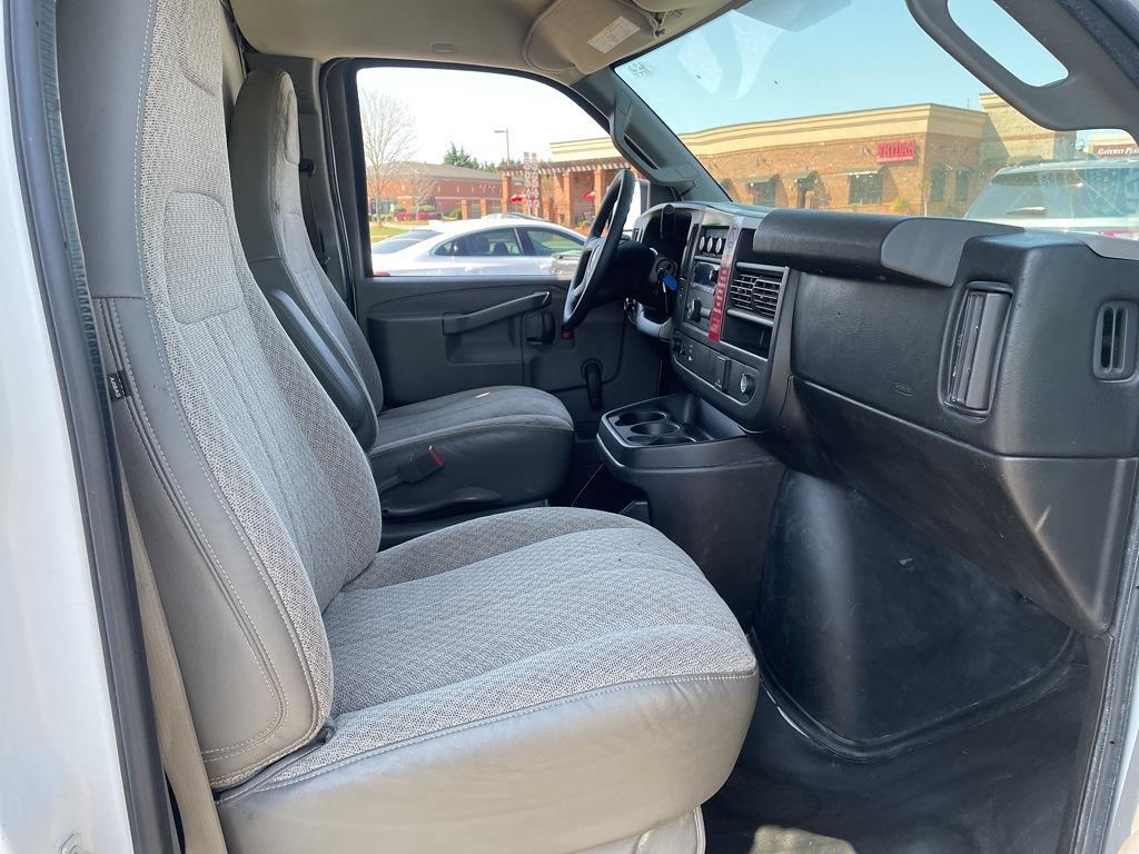 2016 Chevrolet Express 3500, Cutaway Van #1K5171 - photo 28