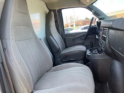 2016 Chevrolet Express 3500, Cutaway Van #1K5171 - photo 29