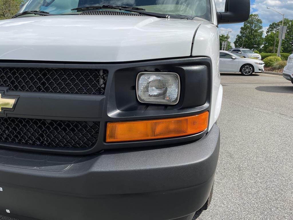 2017 Chevrolet Express 2500, Empty Cargo Van #1K5298 - photo 13