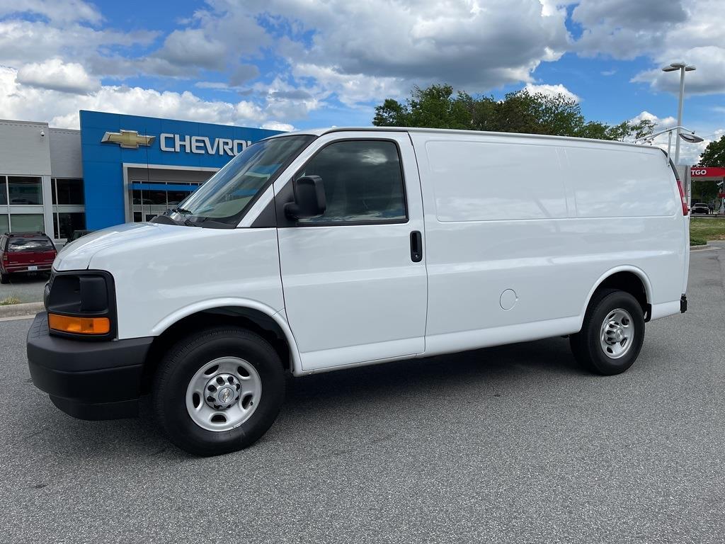 2017 Chevrolet Express 2500, Empty Cargo Van #1K5298 - photo 5