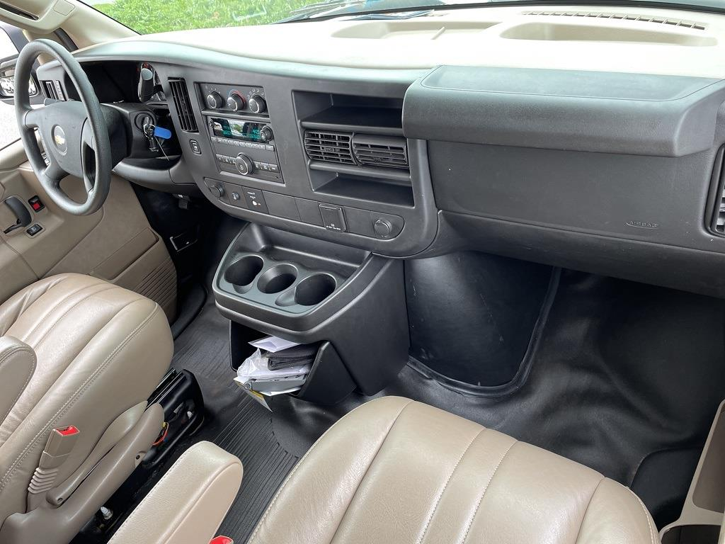 2017 Chevrolet Express 2500, Empty Cargo Van #1K5298 - photo 29
